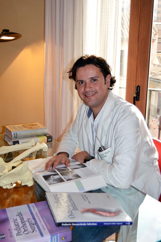 Dr. César Salcedo Cánovas